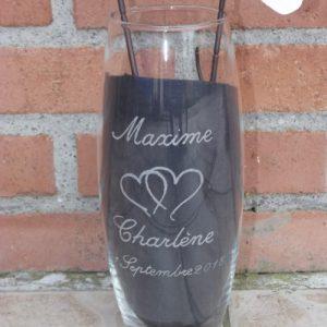 vase-bombé-verre-gravure-coeurs-prénoms-date-mariage-pacs-valcreation-beuvry
