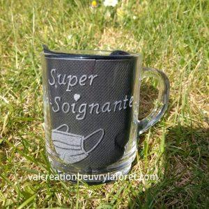 mug-gravure-super-aide-soignante-coeur-masque-protection-covid19