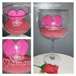 verre-a-pied-vase-gravure-maman-fete-des-meres-sable-rouge-coeur-feutrine