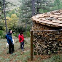 Borda de piedra seca restaurada