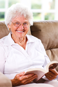 elderly-lady-reading