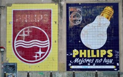 Una joya en peligro de extinción: los paneles cerámicos publicitarios de Philips