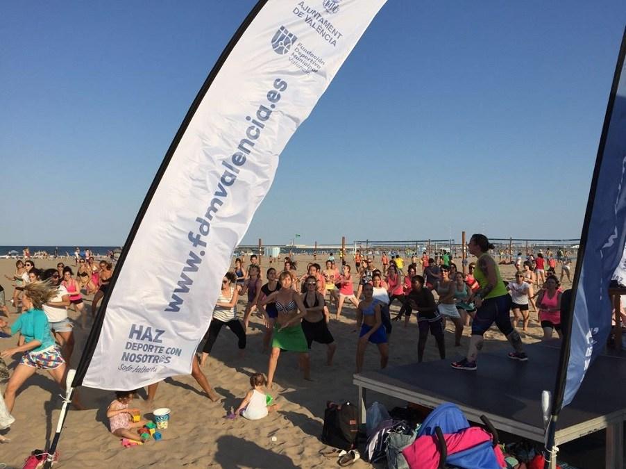 Actividades GRATUITAS en Valencia para practicar deporte en verano en la playa