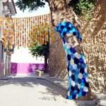 Alcublas se transforma en un museo al aire libre con creaciones tejidas