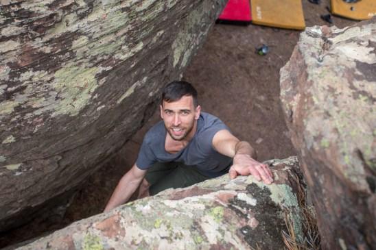 Juanjo doing boulder in Albarracín.