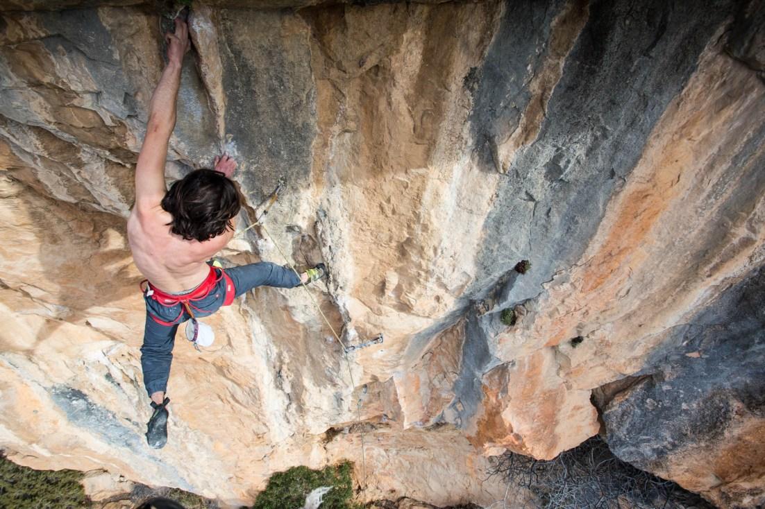 Volo climbing in Buñol.