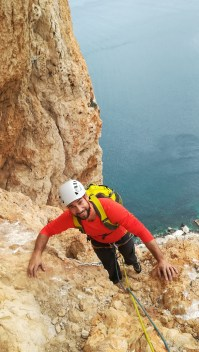 Zach climbing with us the route Diedro UBSA (V+, 250m) in Peñon d'Ifach (Calpe, 2018).