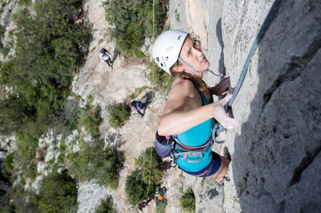 Jen climbing with us in Marxuquera (Gandia, 2017).