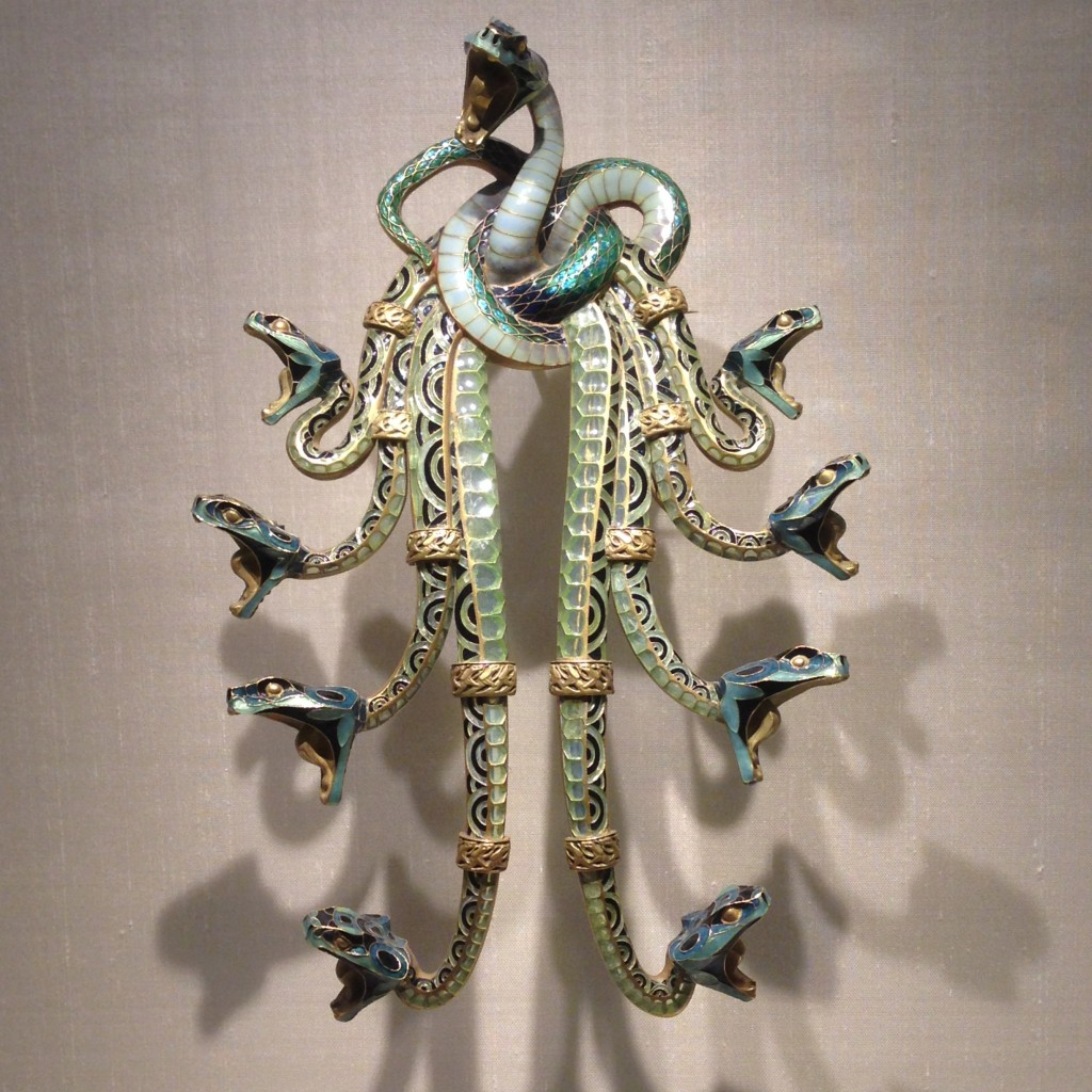 pectoral snakes