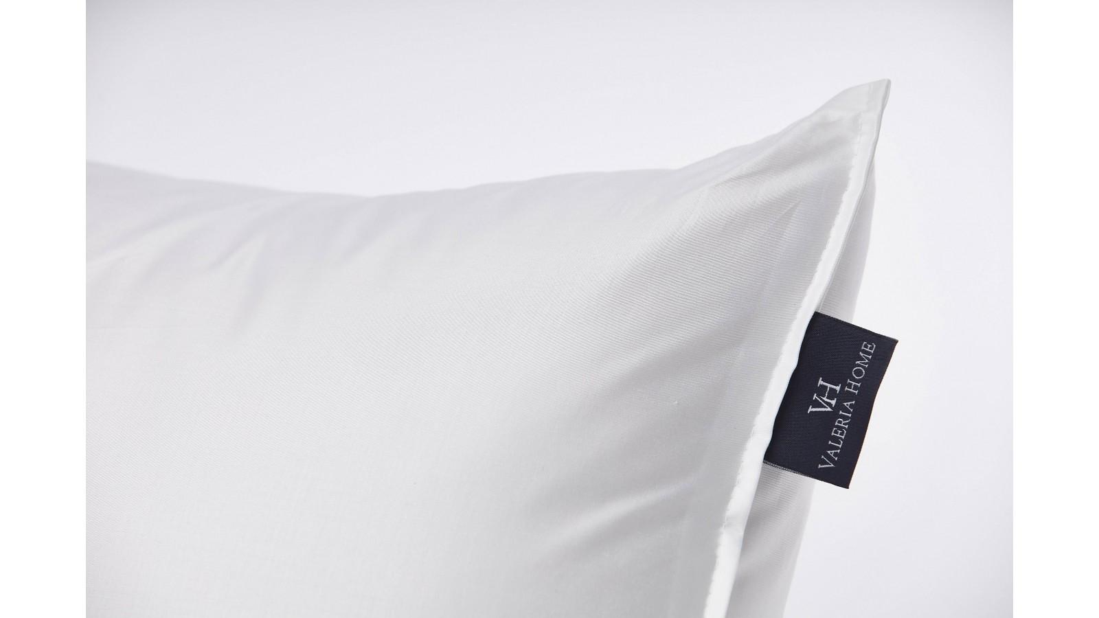 Il piumino 4 stagioni può essere assemblato e quindi impiegato tutto assieme, mentre se si tratta di primavera o di autunno, quando la stagione. Luxury Down Pillow