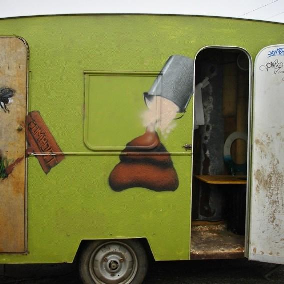 Toilettes sèches aux Arts Dînent à l'Huile, Douarnenez