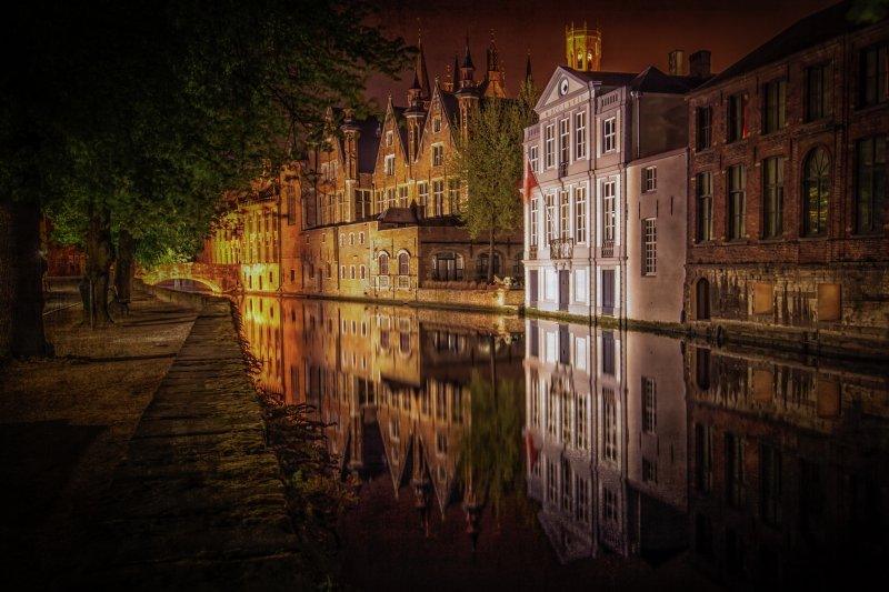 Travel photography Brugge reflection in the Groenerei(green Canal)
