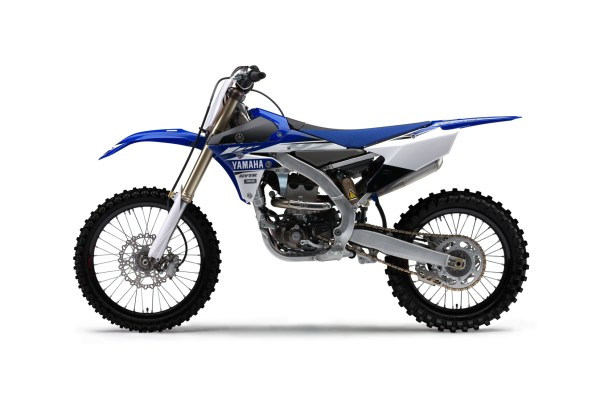 2017-yamaha-yz250f-eu-racing-blue-studio-006