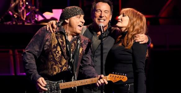 RollingStone / Listen to 'Rolling Stone Music Now' Podcast: Springsteen on Touring Future