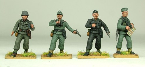 officer_types_with_panzer_jackets