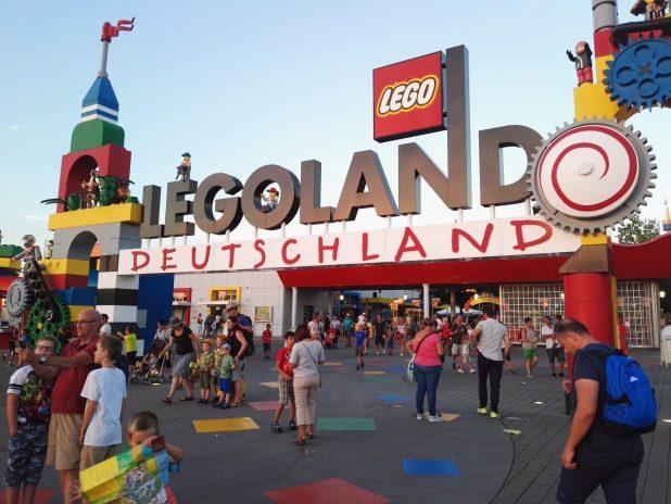 """Legoland"
