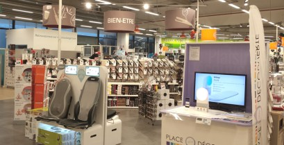 Accueil et mobilier pour magasin d'électroménager et multimédia - VALIN Multi-matériaux