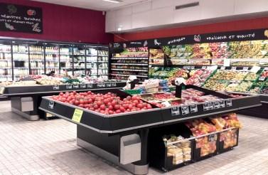 Agencement d'espace fruits et légumes en grande surface