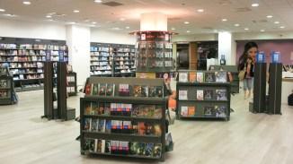 Amenagement d'une enseigne de librairie - Conception et fabrication VALIN