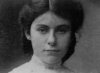 Edith Bratt, esposa de Tolkien, aos 19 anos de idade