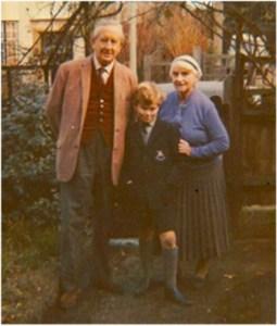 Simon com os avós em 1966