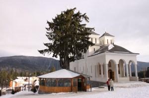 manastirea-caraiman-08