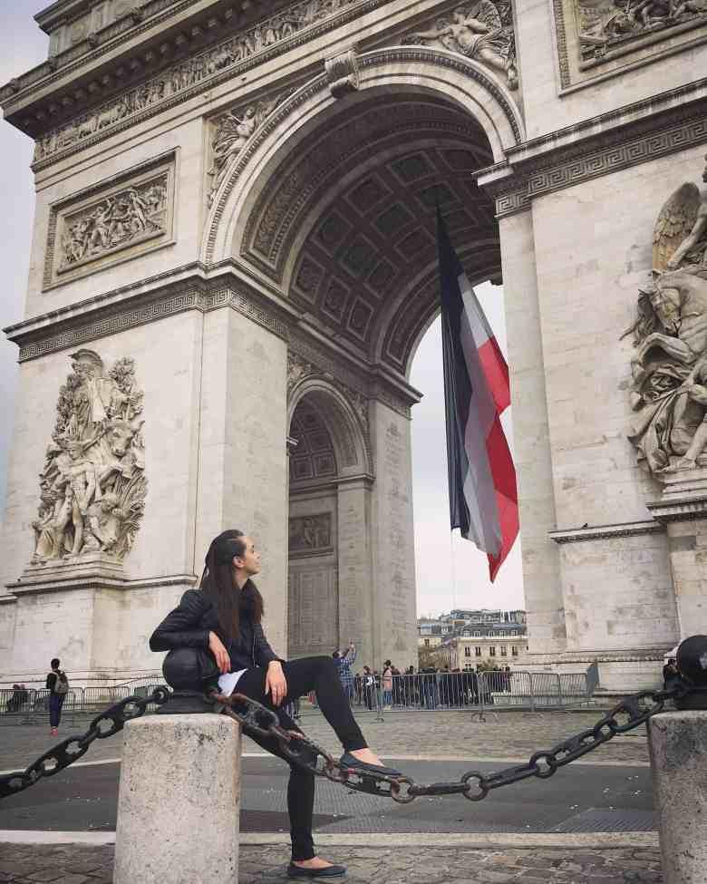 Tieks at the Arc de Triomphe