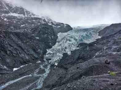 Reasons to Visit Alaska in Spring: Winter Experiences