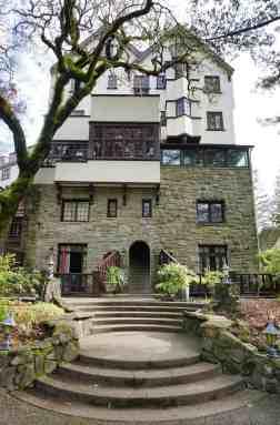 Historic Benbow Inn 5