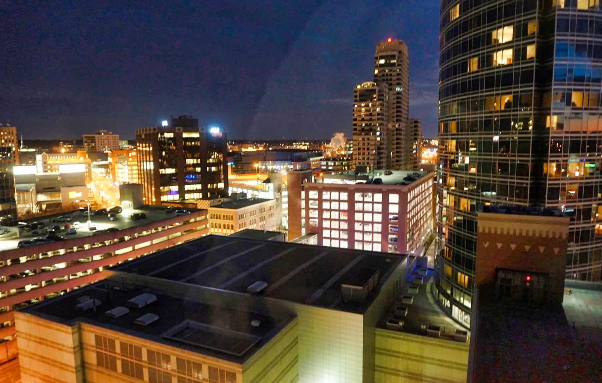 Grand Rapids - Amway Grand Plaza 3 - Kate Ter Haar via Flickr