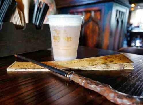 2018 Recap - February - Butterbeer at Universal Orlando