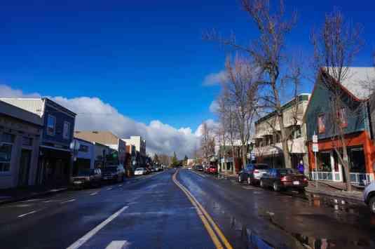 3 Days in Siskiyou County - Downtown Mt Shasta
