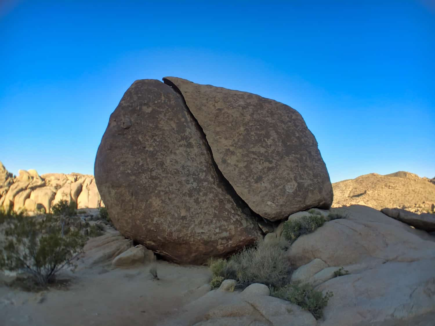 Joshua Tree Weekend Itinerary - Split Rock