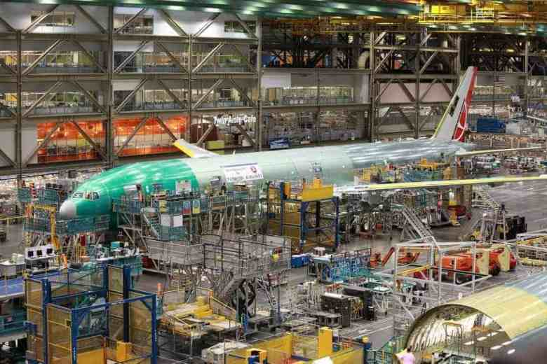 Boeing Factory Tour - Roy Luck via Flickr