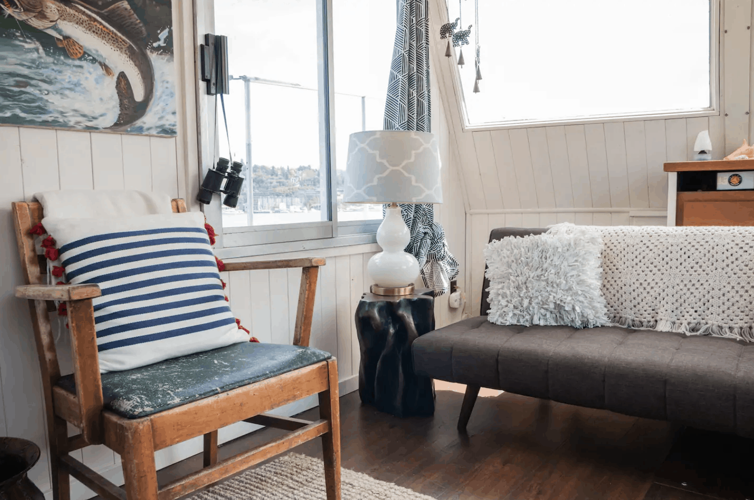 Seattle Airbnbs - Dreamy Houseboat