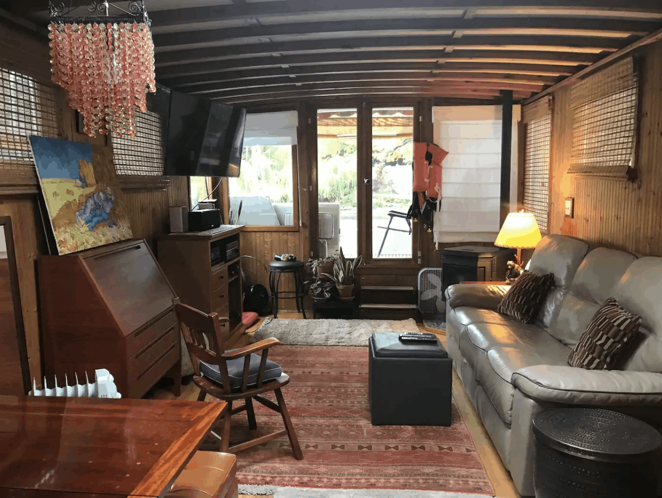 Seattle Houseboats - The Cabin
