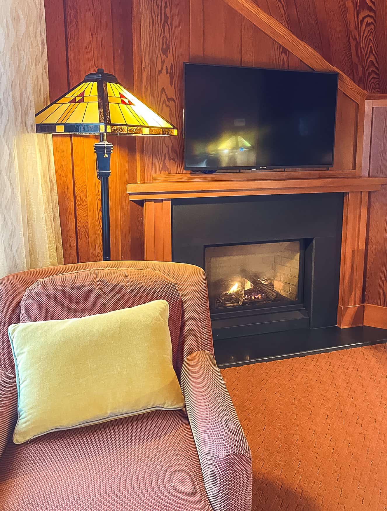Noyo Harbor Inn - Fireplace
