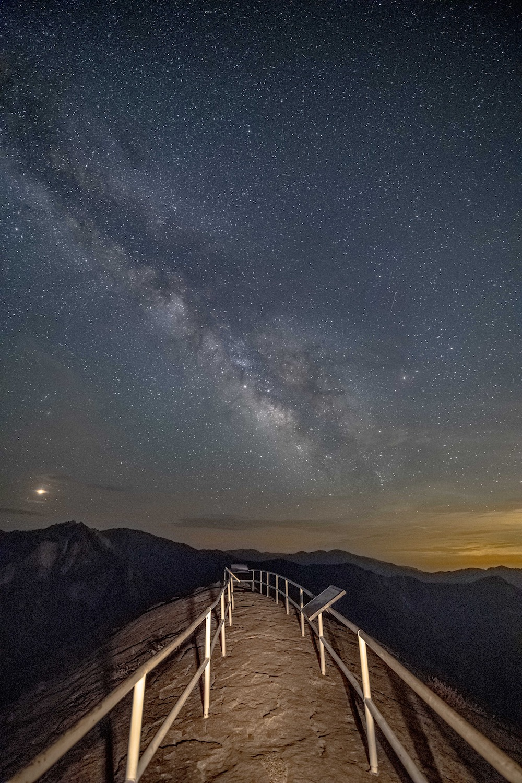 Stargazing in Sequoia National Park - Moro Rock