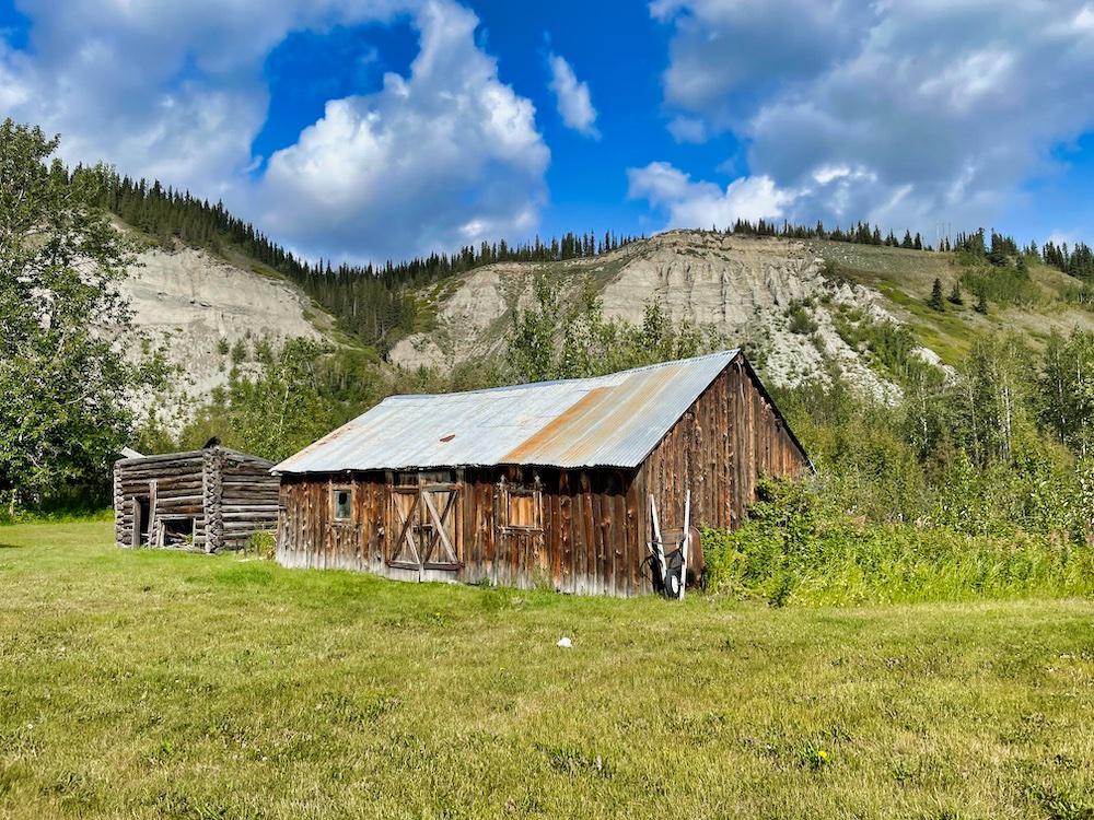 John Hall's Alaska Review - Day 2 - Gakona Lodge