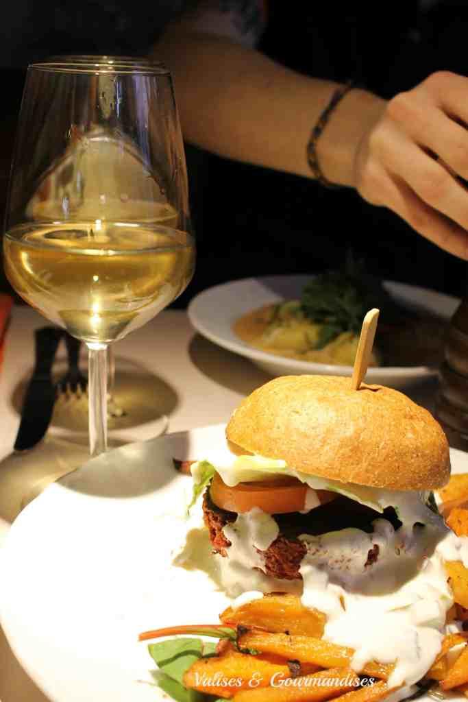 Beet chickpea burger in Vegan Restoran, Tallinn