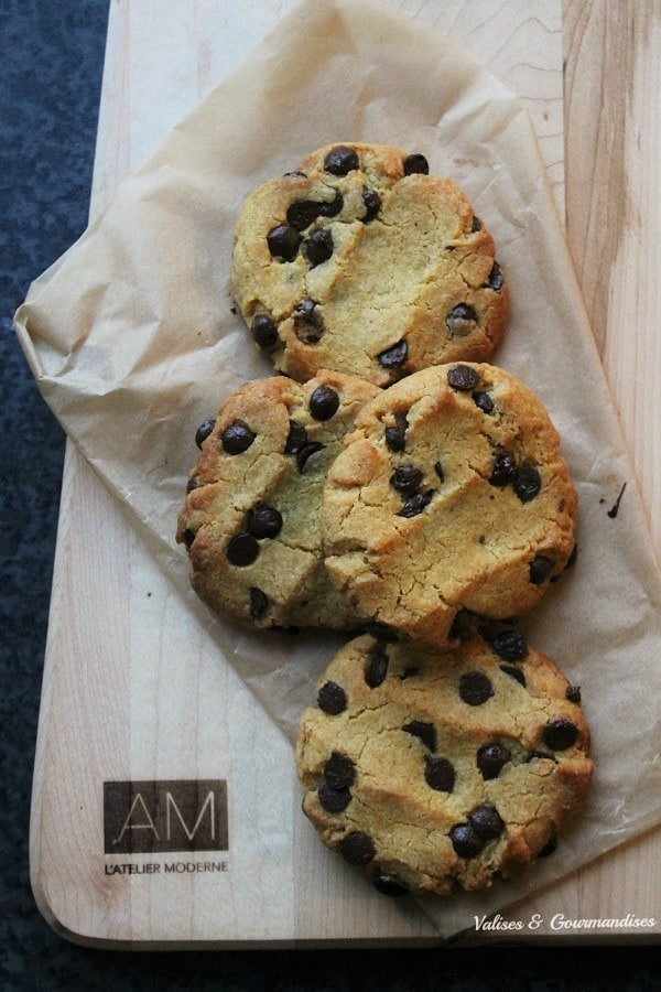 Chickpea flour chocolate chip cookies: vegan, gluten free and grain free