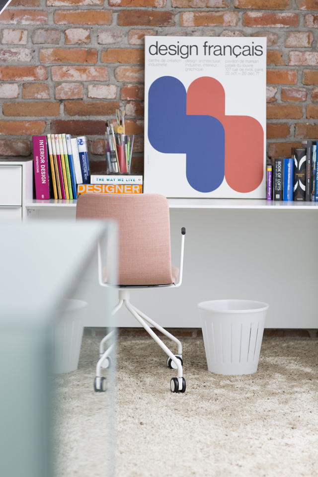orthex_lifestyle-wastebasket_white-home-office1