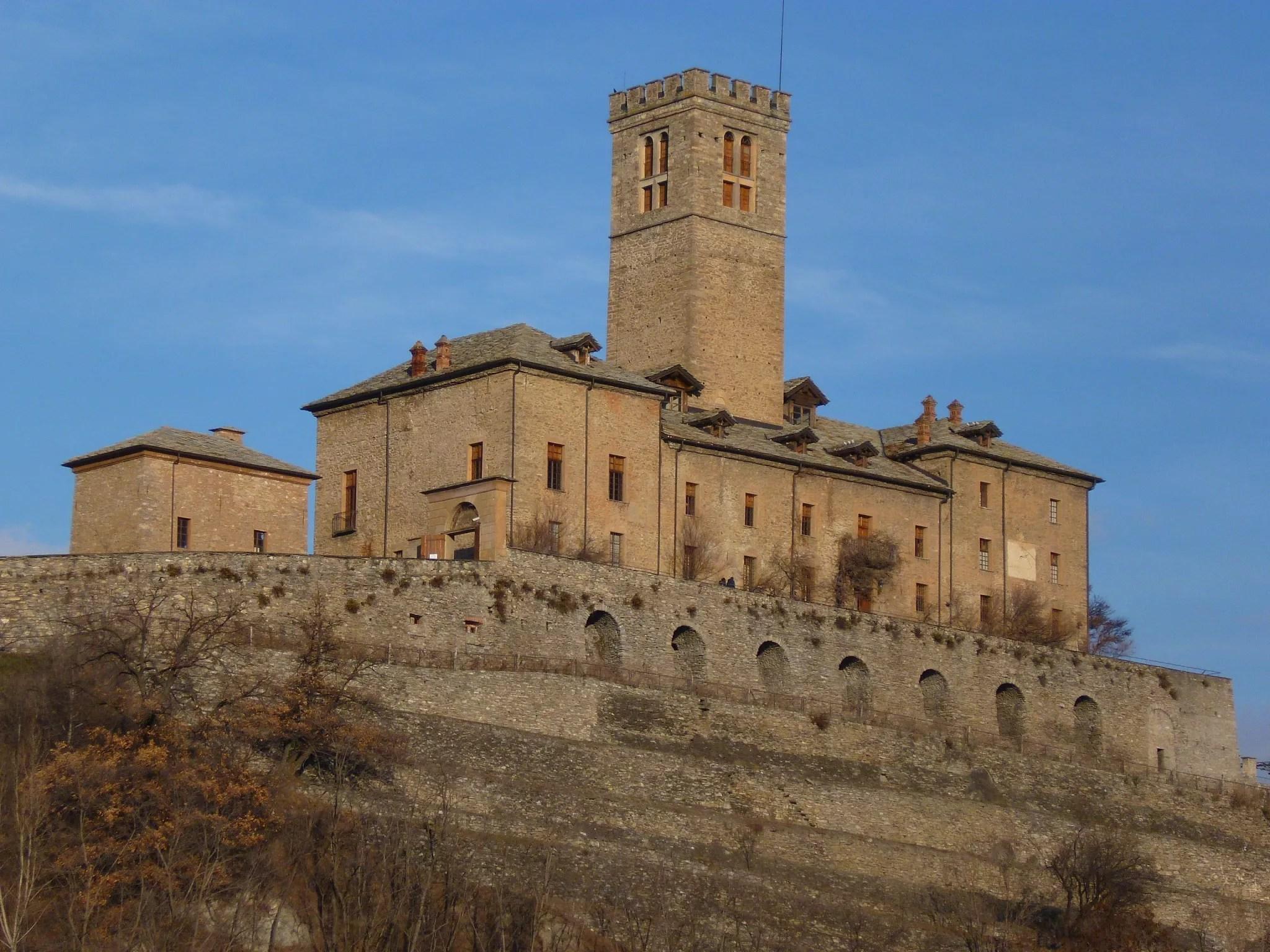 Il castello Reale di Sarre residenza dei Savoia in Valle dAosta