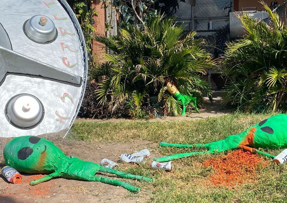 Conjure up a halloween party that draws on autumn's natural splendor, punctuated with spooky touches. Gallery Out Of This World Halloween Decorations In Mcallen Kveo Tv
