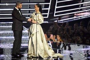 Drake-Rihanna-MTV-VMA-speech-2016-billboard-1548