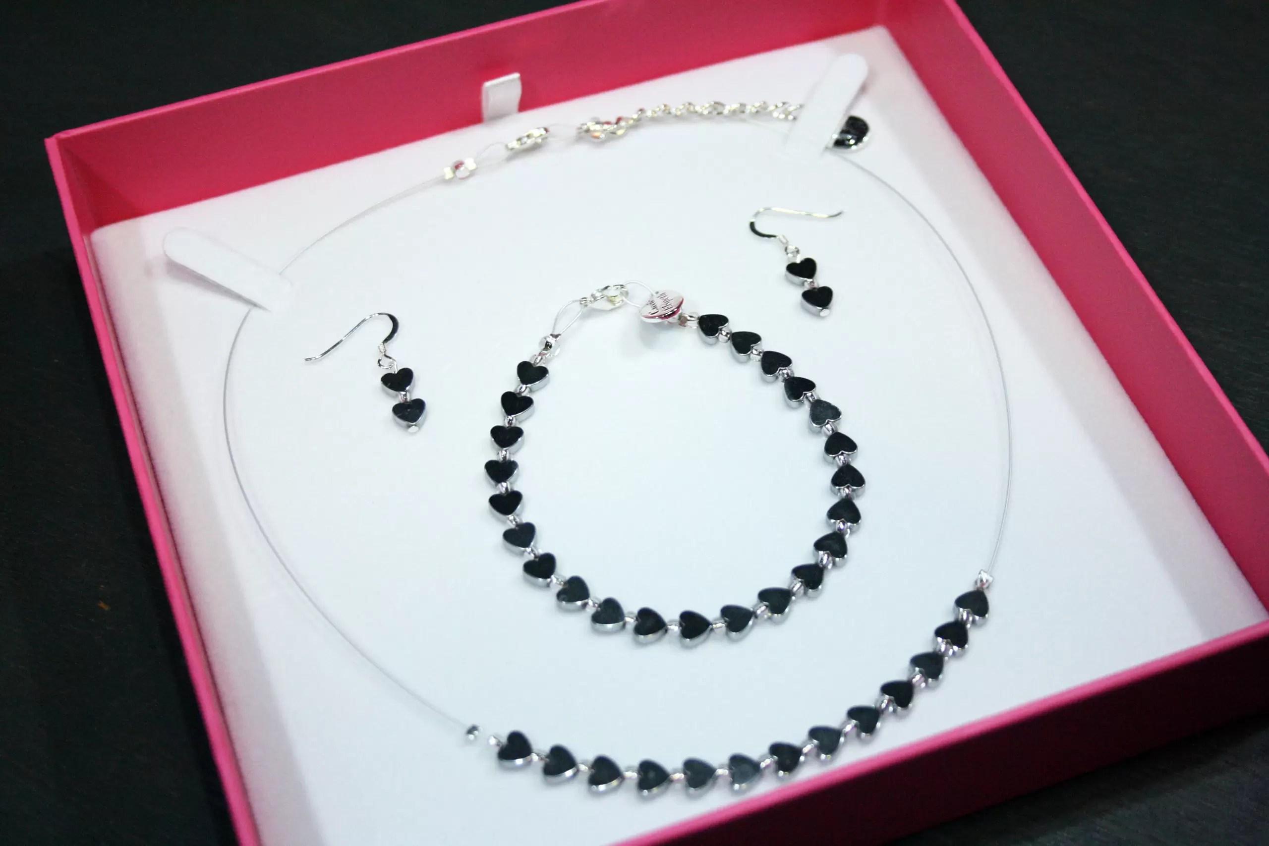 Carrie Elspeth Mins Hearts Gift Set