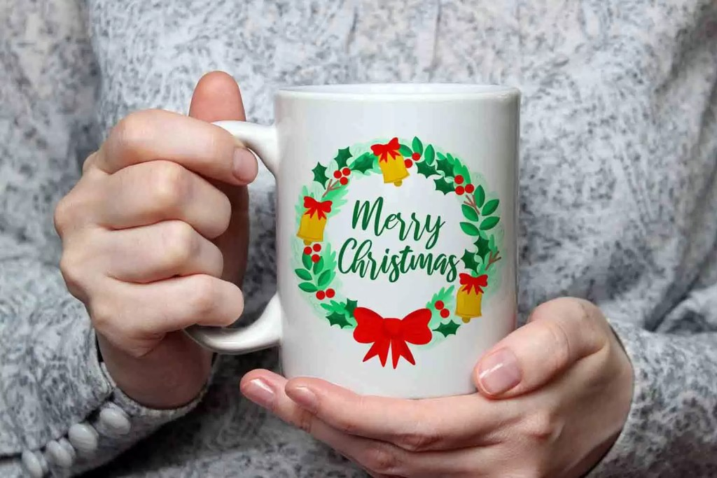 Merry Christmas Wreath Ceramic Mug