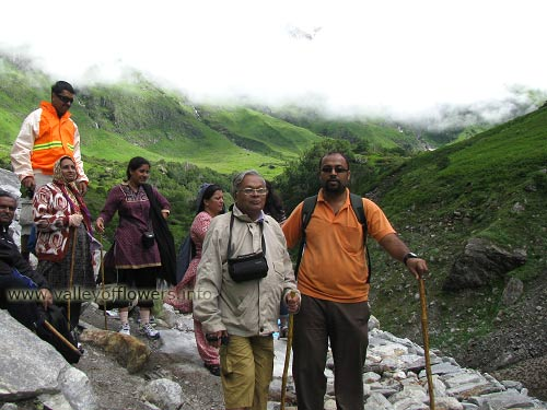 Near a glacier on the way to valley of flowers