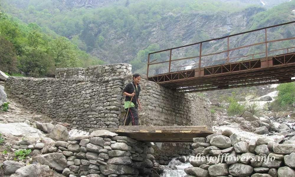 Crossing a small stream near Village Ghangaria