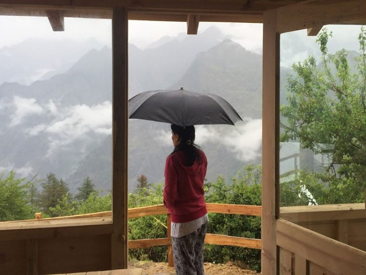 this is the one of the beautiful scene. that u can see from blue poppy resorts..that view is ultimate..